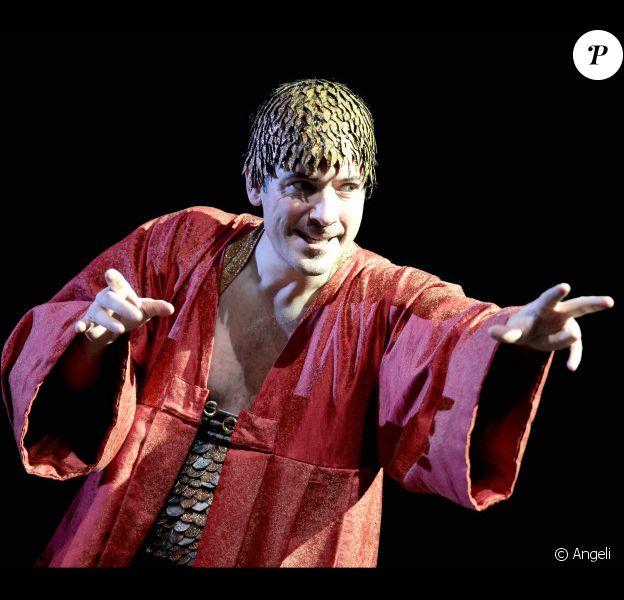 Bruno Putzulu est Caligula dans la pièce d'Albert Camus. Filage du spectacle à Colombes le 3 novembre 2010