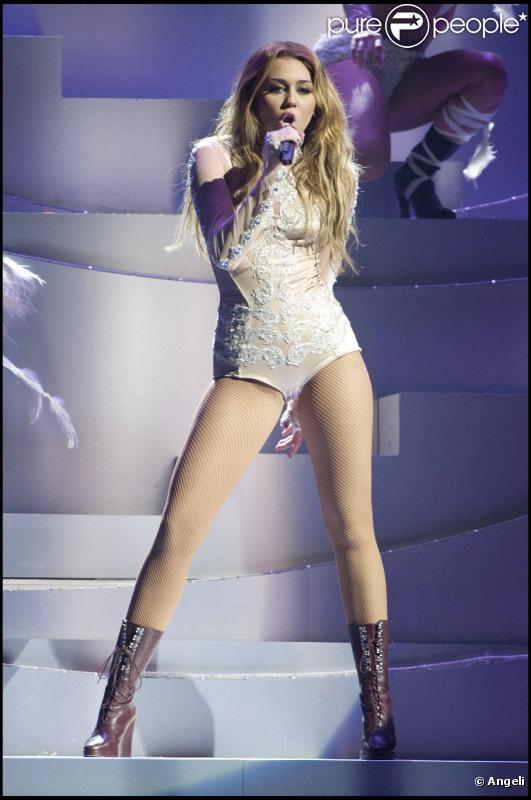 Miley Cyrus fait partie des célébrités féminines qui ont remporté le plus d'argent sur les douze derniers mois...
