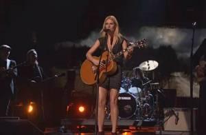 Gwyneth Paltrow, joliment décolletée, fait ses grands débuts de chanteuse !
