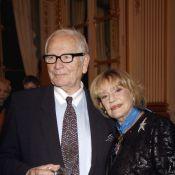 """Le regret de Pierre Cardin : """"Ne pas avoir eu d'enfants avec Jeanne Moreau..."""""""