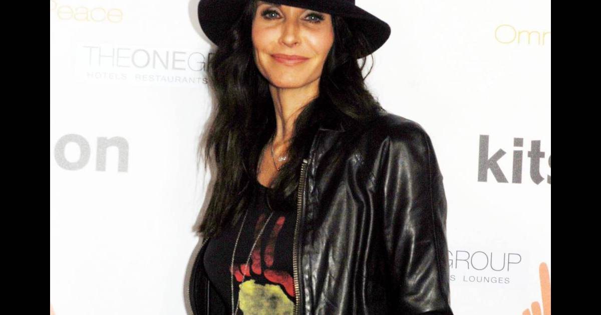 courteney cox premi re sortie en c libataire purepeople. Black Bedroom Furniture Sets. Home Design Ideas