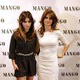 Penélope Cruz et Monica Cruz à la présentation de leur collection avec la marque Mango en 2008.