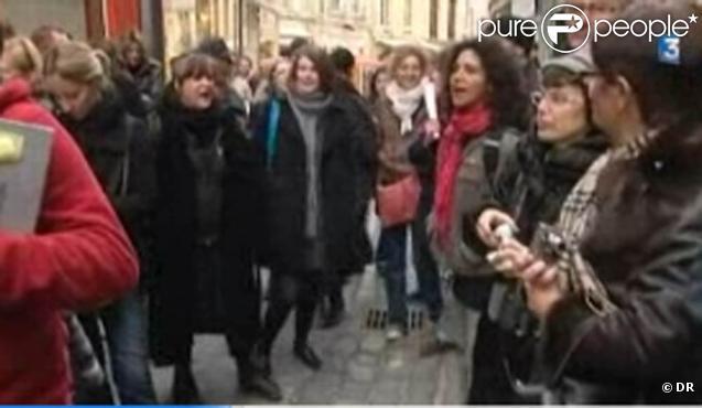 Capture d'écran de la vidéo France 3 sur l'incident à Caen pendant le tournage d'un clip pour Miss France 2011