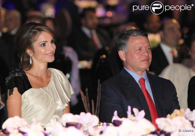 Rania de Jordanie lors d'une soirée de charité en Jordanie le 26 novembre 2010