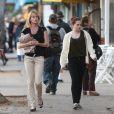 Melanie Griffith et sa fille Stella à Santa Monica le 13 novembre 2010