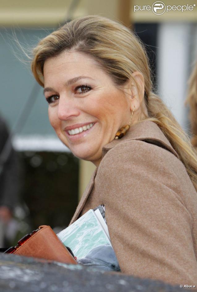 """Maxima des Pays-Bas assistait à un rendez-vous du programme """"Les Meilleurs Copains"""" du Fonds Orange, le 30 novembre 2010, à Nijkerk."""
