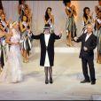Les 25 prétendantes au titre de Miss Nationale 2011 défilent à la salle Wagram (Paris), dimanche 5 décembre.