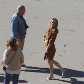 Robin Wright : Une ambassadrice de charme frigorifiée à la plage !