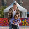 Dermot Mulroney, sa fiancée Tharita et leur fille Mabel à Santa Monica. Décembre 2010