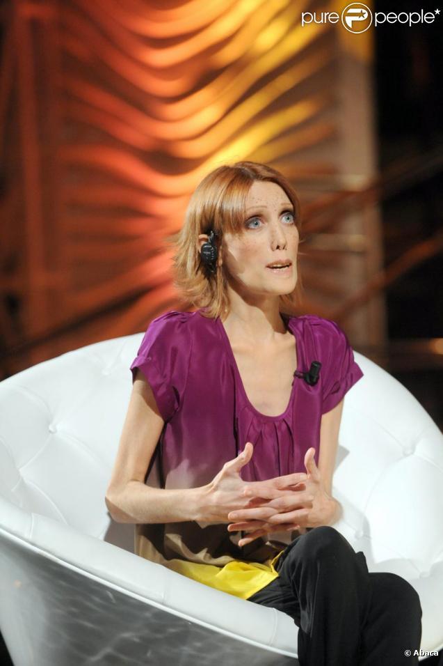 Isabelle Caro en mars 2010 invitée sur un plateau télé italien
