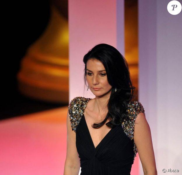 Marie Drucker, qui a fait ses preuves en présentant les cérémonies des Victoires de la musique classique et des Molières, prend la relève de Nagui pour les Victoires de la Musique 2011 !