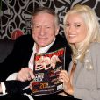 La bombe Holly Madison, ex-girlfriend de Hugh Hefner, s'est clashée avec la nouvelle fiancée du boss de  Playboy , Crystal Harris...