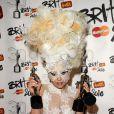 Lady Gaga sur la scène des Brit Awards, le 16 février 2010