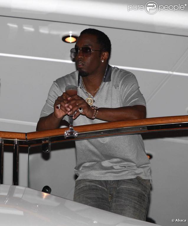 Sean P. Diddy Combs, Son Ex Kim Porter Et Leurs Jumelles D