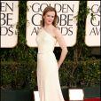 Nicole Kidman dans une longue robe asymétique Prada a parié sur une robe simple mais très élégante pour mettre en valeur sa longue silhouette.