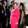 Julianne Moore dans une robe Lanvin a fait honneur au printemps coloré qui s'annonce ! Palme de brinze pour la couleur et le culot !