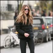 Elle Macpherson exhibe son corps parfait à Londres ! Mais que fait Claudia ?