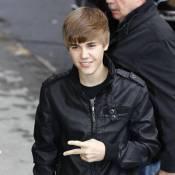 Justin Bieber : Parodié et critiqué, il garde la foi et aide une famille !