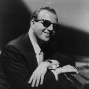 L'immense pianiste de jazz George Shearing est décédé...