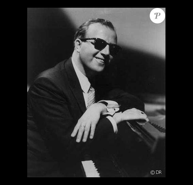 Le pianiste de jazz George Shearing