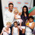 Katie Price et ses trois enfants, Alex Reid et son neveu