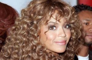 Beyoncé devient blond platine : retour sur ses expériences capillaires !