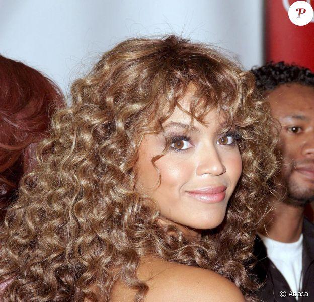Beyoncé version Mariah Carey à ses débuts avec sa belle cascade de boucles dorées