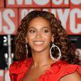 Beyoncé Knowles retrouve sa cascade de boucles et son naturel déconcertant