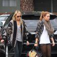Miley Cyrus et sa mère Tish à Los Angeles le 15 février 2011