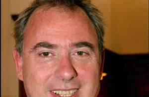 Philippe Risoli : Il renie sa chanson et... met les choses au point avec TF1 !
