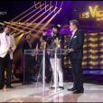 Eddy Mitchell et Matthieu Chedid, alias M, sont ex-aequo et reçoivent tous les deux la Victoire 2011 dans la catégorie Spectacle musical-tournée-concert, lors de la seconde moitié des Victoires de la Musique 2011, mardi 1er mars sur France 2.