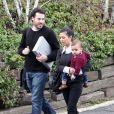 Kourtney Kardashian et son fils Mason dans Beverly hills avec un ami  (25 février 2011)