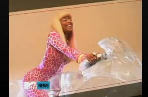 Nicki Minaj, délurée sur une moto de glace : son nouveau clip s'annonce sexy !