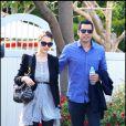 Jessica Alba enceinte et son époux Cash Warren, promenade amoureuse à Los Angeles le 18 mars 2011
