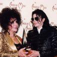 Elizabeth Taylor et Michael Jackson en 1993