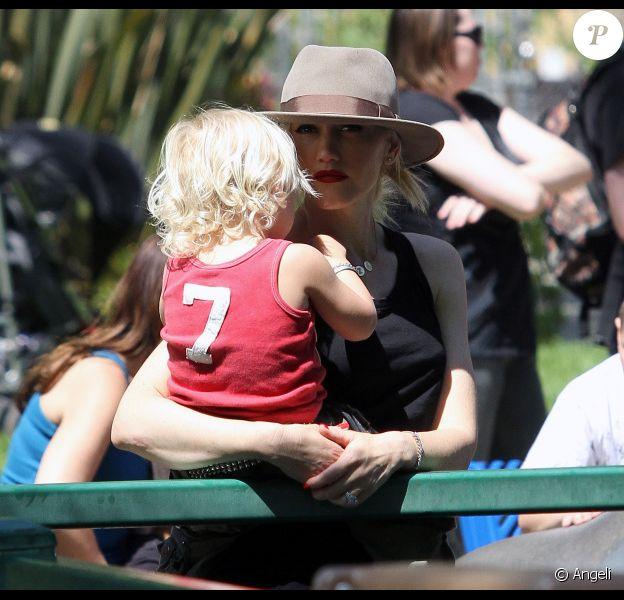 Gwen Stefani et le petit Zuma s'éclatent au Zoo (10 avril 2011 à Los Angeles)
