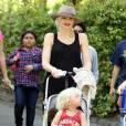 Gwen Stefani a passé la journée  au Zoo avec ses enfants (10 avril 2011 à Los Angeles)
