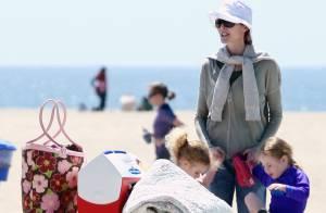 Marcia Cross a élu domicile à la plage avec ses jumelles Eden et Savannah !
