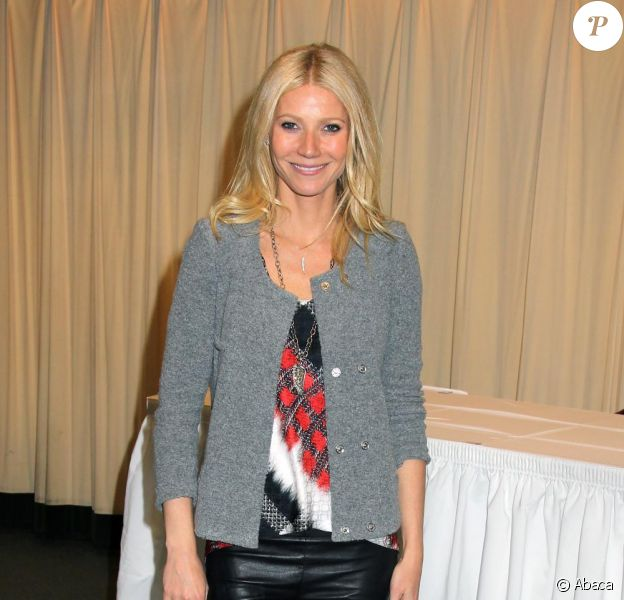 Gwyneth Paltrow a pris plaisir à dédicacer son livre de cuisine le 14 avril 2011