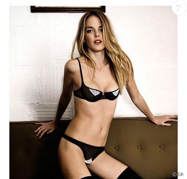 Le mannequin californien Shannan Click sous l'objectif d'Alex Antitch pour la lingerie Yasmine Elani (avril 2011).