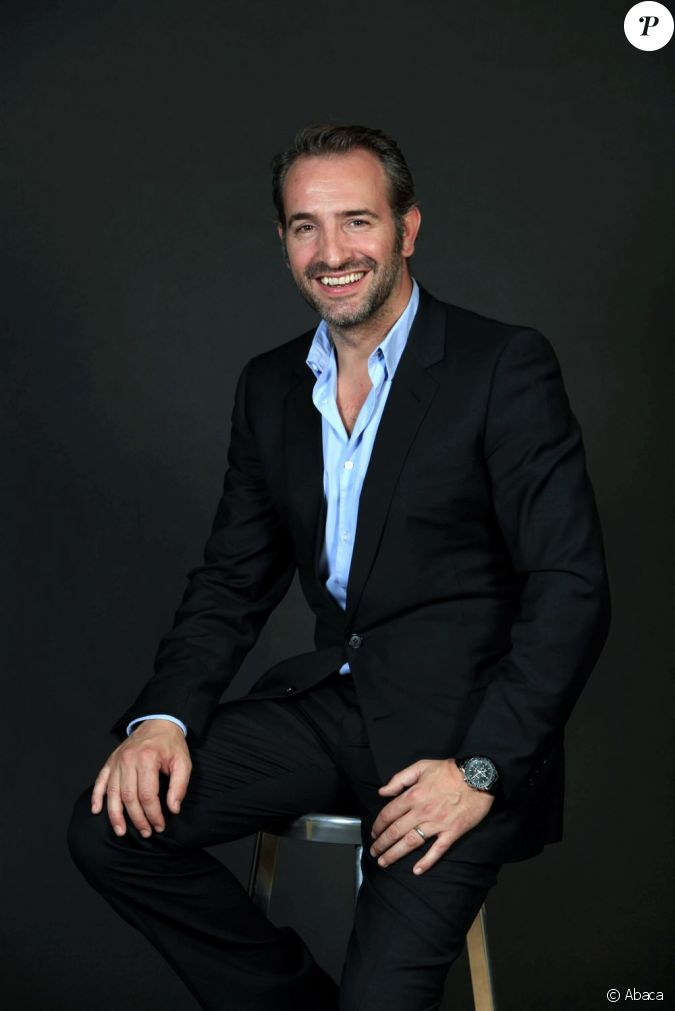 Jean dujardin pose en photo au bon march paris en avril for Jean dujardin photo