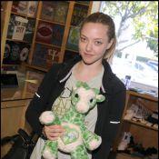 Amanda Seyfried : Sans Ryan Phillippe, elle a trouvé à qui faire des câlins !
