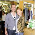 L'acteur James Van Der Beek et sa compagne Kimberly Brooks, au magasin Fred Segal à l'occasion de la 1ère  Greenzy , samedi 23 avril à Los Angeles.