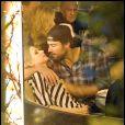 Avril Lavigne semble peu démonstrative avec son chéri Brody Jenner, au restaurant Boa Steakhouse à Los Angeles, samedi 16 avril.