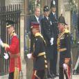 Le Prince William et son frère et témoin Harry arrivent à l'abbaye de Westminster pour son mariage le 29 avril 2011