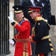 Les Princes Harry et William lors de leur arrivée à l'Abbaye de Westminster à l'occasion du mariage de Kate Middleton et du Prince William, le 29 avril 2011