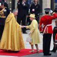 Le Reine Elizabeth et le Duc d'Edimbourg lors de leur arrivée à l'Abbaye de Westminster à l'occasion du mariage de Kate Middleton et de leur petit-fils le Prince William, le 29 avril 2011