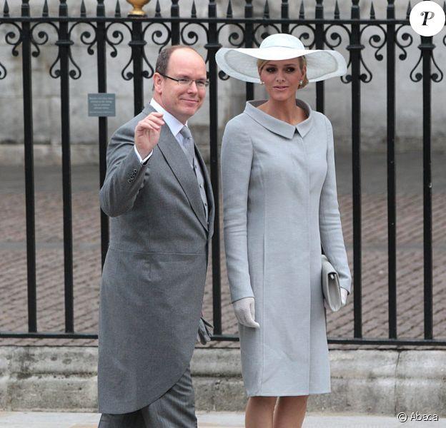 Charlene Wittstock et Albert de Monaco arrivant à l'Abbaye de Westminster pour assister au mariage de Kate Middleton avec le Prince William, le 29 avril 2011
