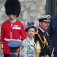 Les 1 900 convives invités à assister au mariage du prince William et de Catherine Middleton le 29 avril 2011, dont la princesse Anne et son mari Timothy Laurence, ont pris place à Westminster dans les premières heures de la matinée.
