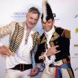 Dan Maie Royer et un ami à l'occasion du Bal des Princesses 2011, qui s'est tenu à Paris, le 30 avril 2011.